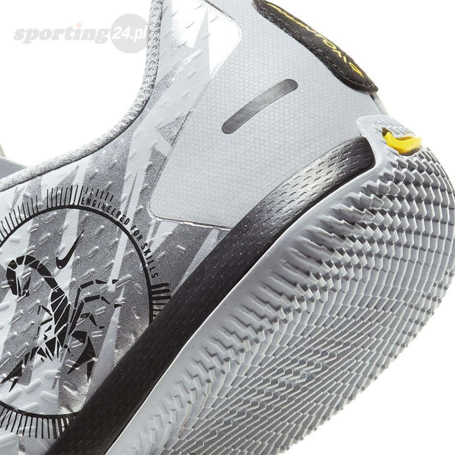 Buty piłkarskie Nike Phantom GT Scorpion Academy IC Junior DA2281 001 Nike Football